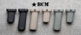 Přední rukojeť BCMGUNFIGHTER Vertical Grip - picatinny - s úložným prostorem - černá Bravo Company