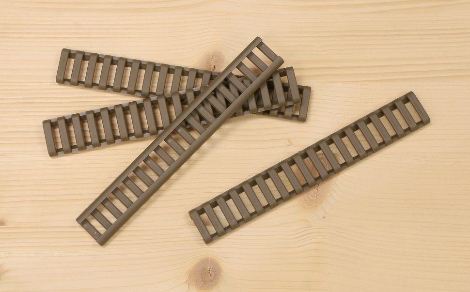 P60-TAN   Krytka picatiny lišty - žebřík - béžová (4 ks)